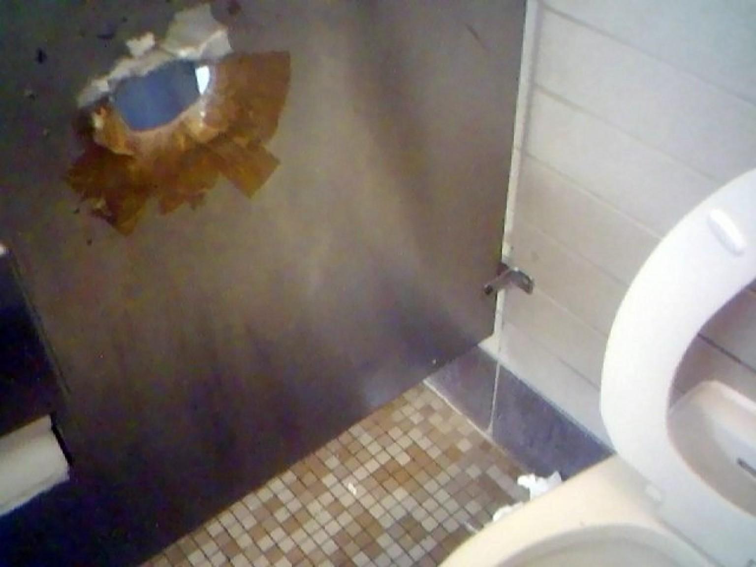 неожиданно член с дырки в туалете может