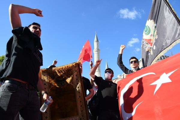 Чтоделает Турция вКарабахе? СШАиФранция требуют отРоссии объяснений