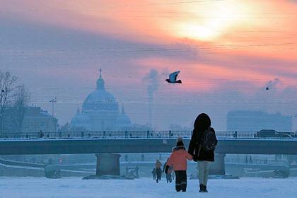 Санкт-Петербургу предсказали изменение цвета неба