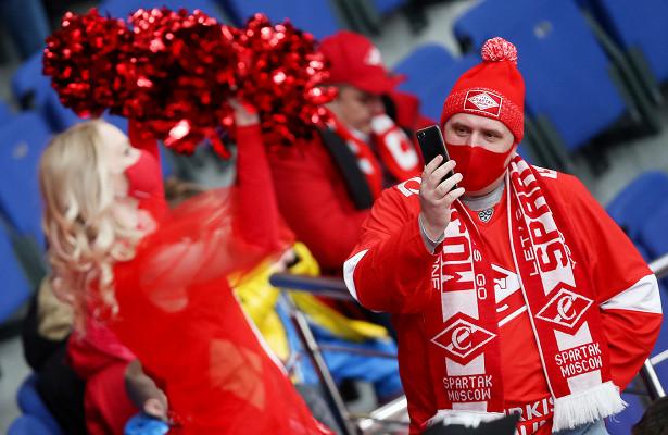 Чирлидерши отвлекали фанатов, Гудачек кувыркался нальду. Фото победы «Спартака»