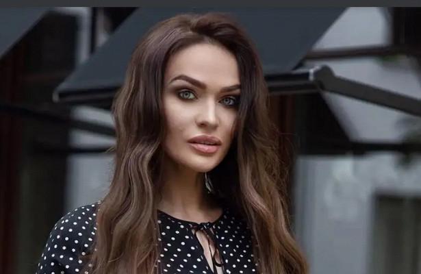 Алёна Водонаева обвинила московского таксиста вотказе надевать маску