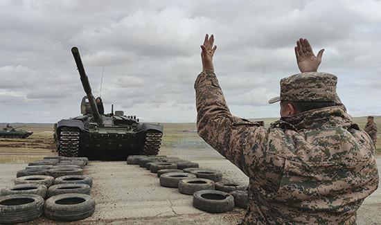 Участников военного учения «Селенга-2021» торжественно встретили вМонголии