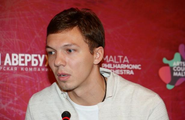 Фигурист Соловьёв рассказал оромане сБузовой