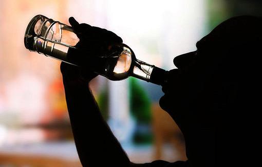 Названы российские регионы-лидеры попотреблению алкоголя