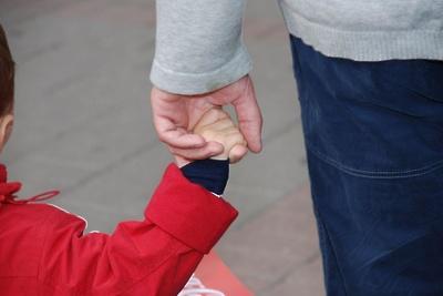 Российским регионам выделят средства навыплаты семьям сдетьми