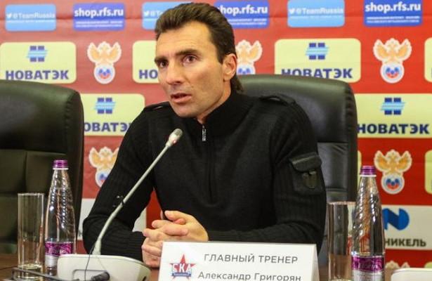 Григорян рассказал опроблемах салкоголем, едва нестоивших емусемьи