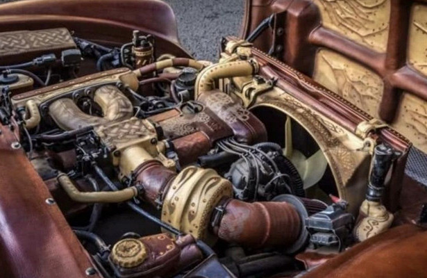 Кожаный автомобиль длякоролевы Великобритании продается вПодмосковье