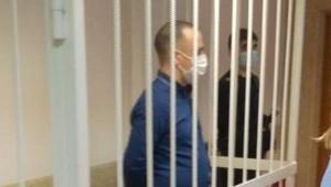 Вытолкнувший жену изокна полицейский получил 14лет