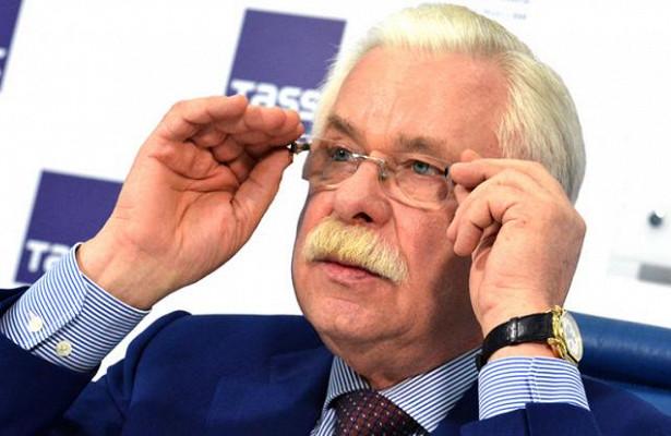 Александр Руцкой: Губернаторам надо быть ближе кнароду, анеохрану нанимать