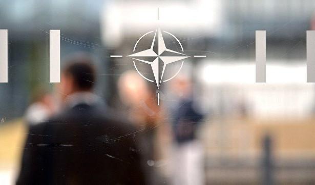 НАТО хочет сохранить диалог сМосквой