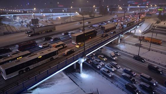 В новейшей столице МЧС создало пункт обогрева для шоферов