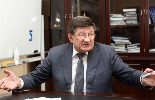 «Омску нужно пособие длямэра»— экс-глава города Двораковский хочет объяснить своим последователям, как…