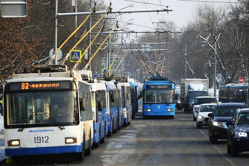 Троллейбус врезался встолб вКоврове