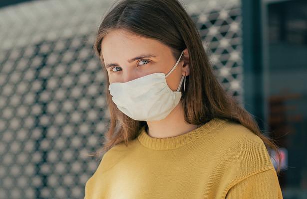Отек иязвы: переболевшие COVID-19назвали пять странных симптомов