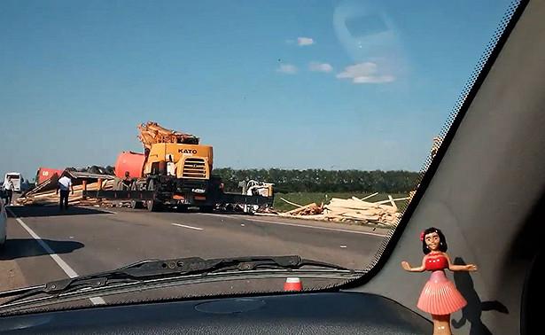 Кадры массового ДТПвКраснодаре глазами очевидцев: момент аварии попал навидео