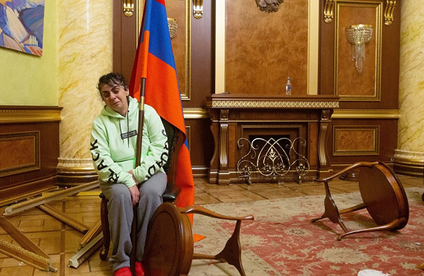 LeMonde (Франция): «Война объединила нас»— грузинские армяне хотят помочь карабахским «братьям»