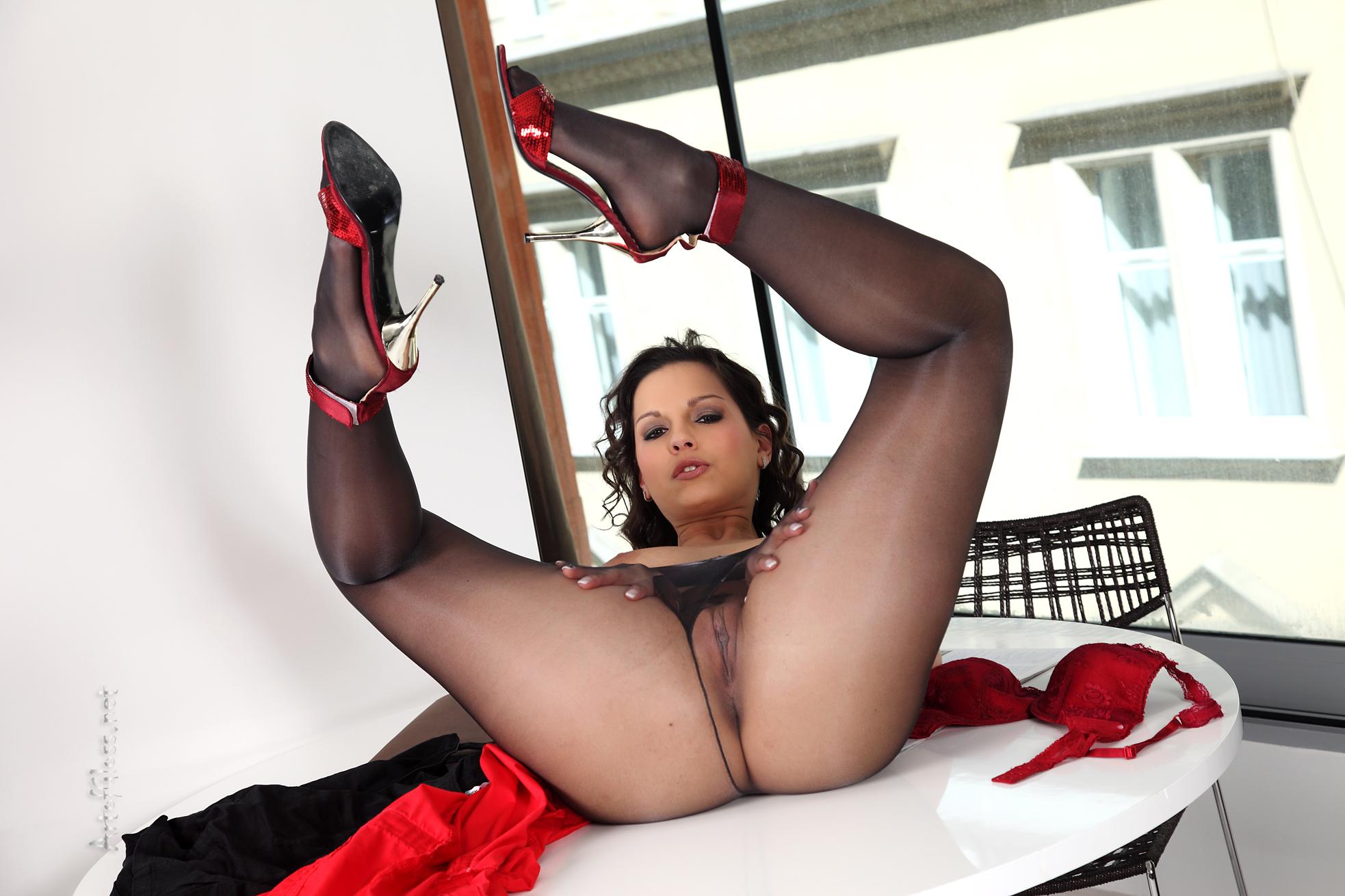 порно фото чулки и каблуки
