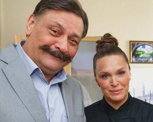 Какживет актриса Марина Могилевская, ставшая матерью в41год