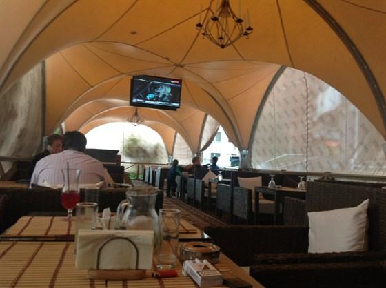 Ресторан Пряник - фотография 7 - Летняя веранда