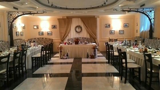Ресторан Добрые традиции - фотография 1 - Большой зал