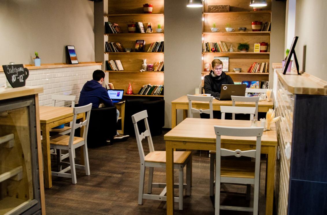 Ресторан Folks Café - фотография 1