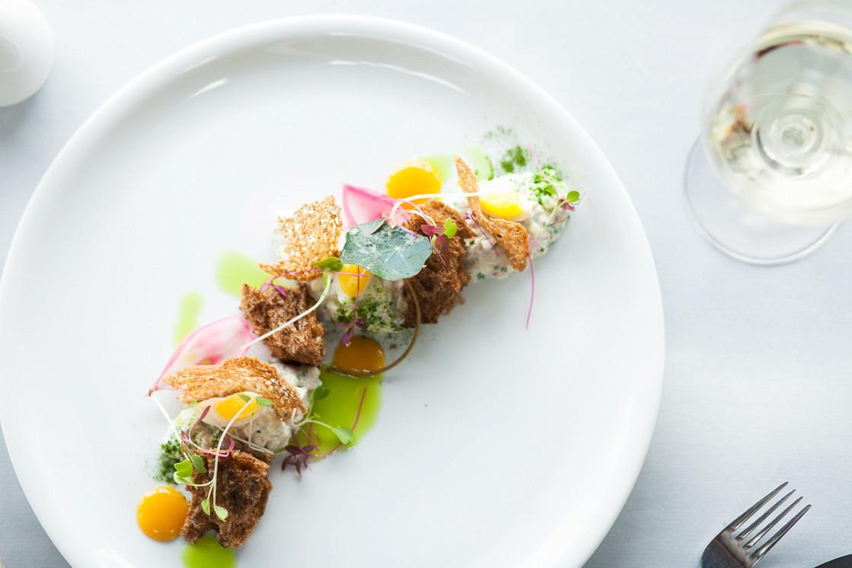 Ресторан Dozari - фотография 18 - Форшмак из сельди и копченой мурманской трески