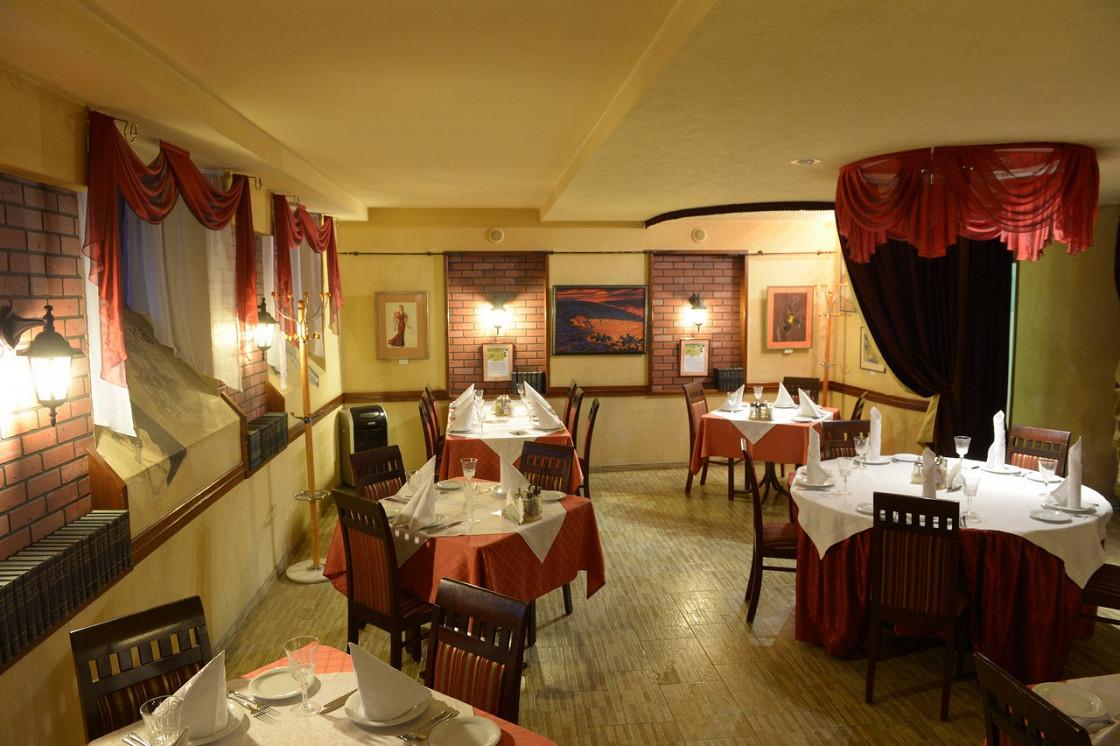 Ресторан Дебют - фотография 2