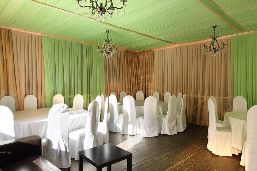 Ресторан Маска - фотография 8 - Летняя веранда