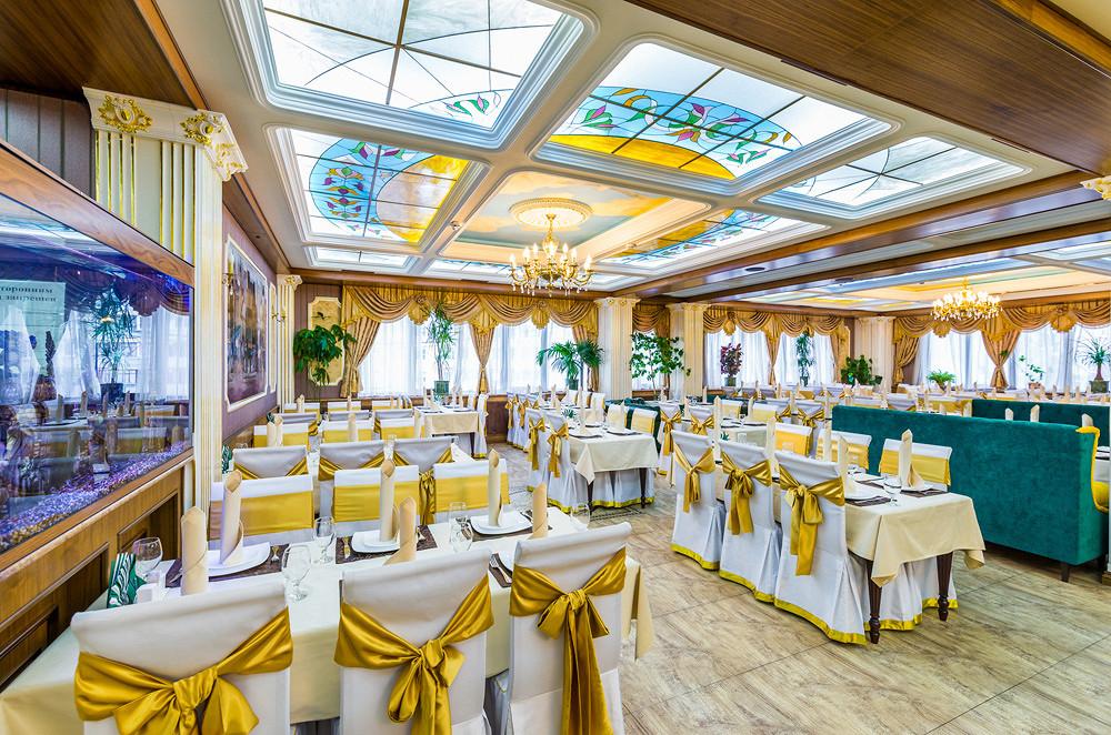Ресторан Грин-палас - фотография 7 - Главный зал