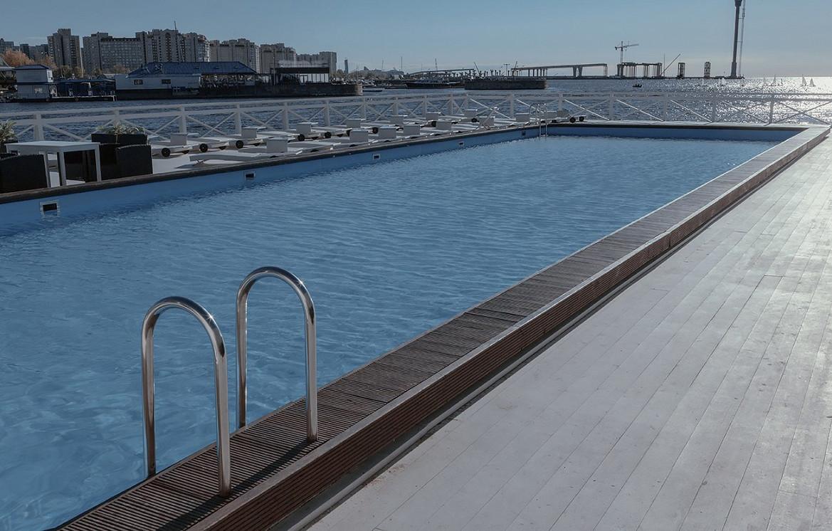 Ресторан Южный - фотография 4 - 30-метровый бассейн с подогревом воды