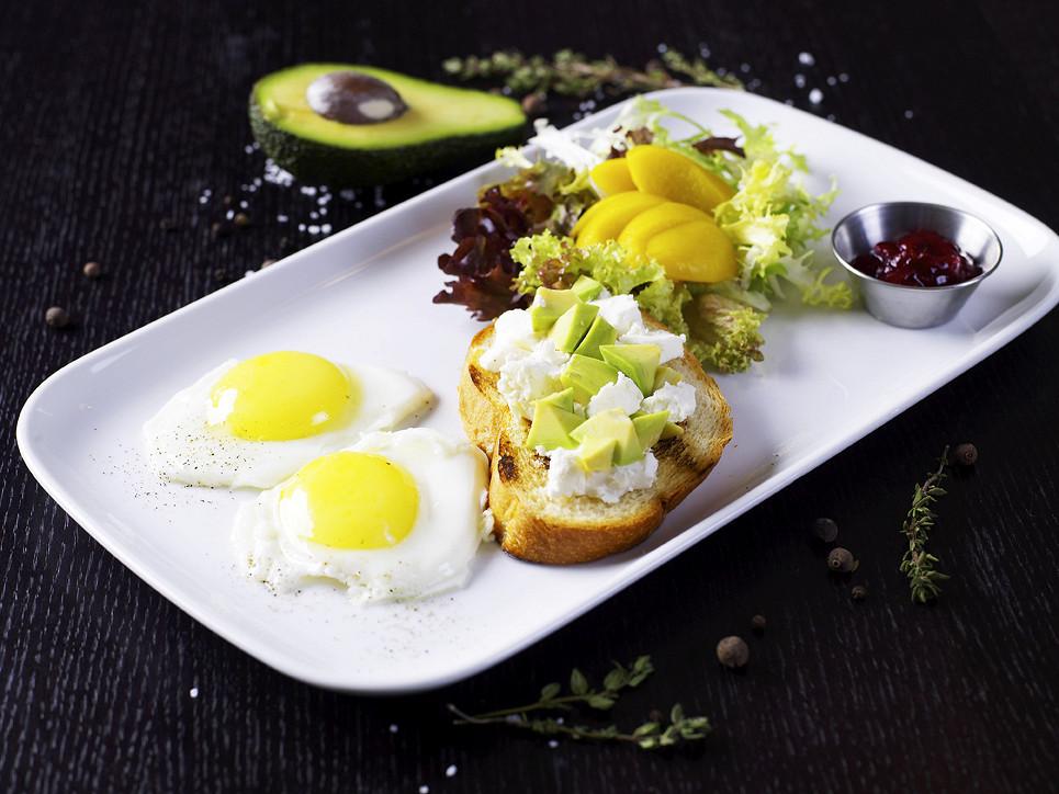 Ресторан Hudson Deli - фотография 3 - Легкий завтрак