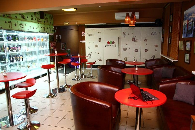 Ресторан Фрэш кофе - фотография 1 - Уютный зал на 25 мест