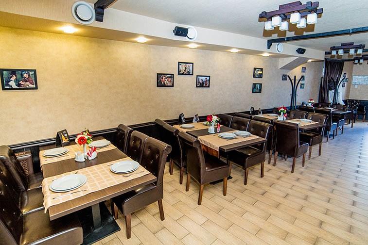 Ресторан 12 стульев - фотография 2