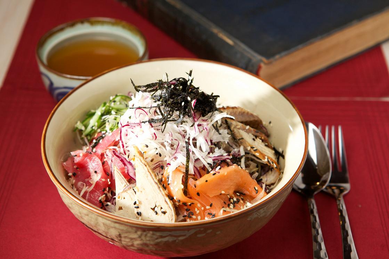 Ресторан Рецептор - фотография 1 - Хедопаб подается с мисо бульоном и острым соусом кимчи