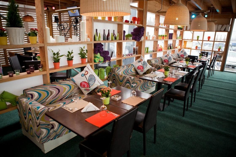 Ресторан Summer Veranda - фотография 10