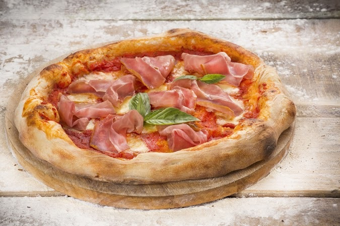 Ресторан Луковка - фотография 8 - Пицца Прошутто