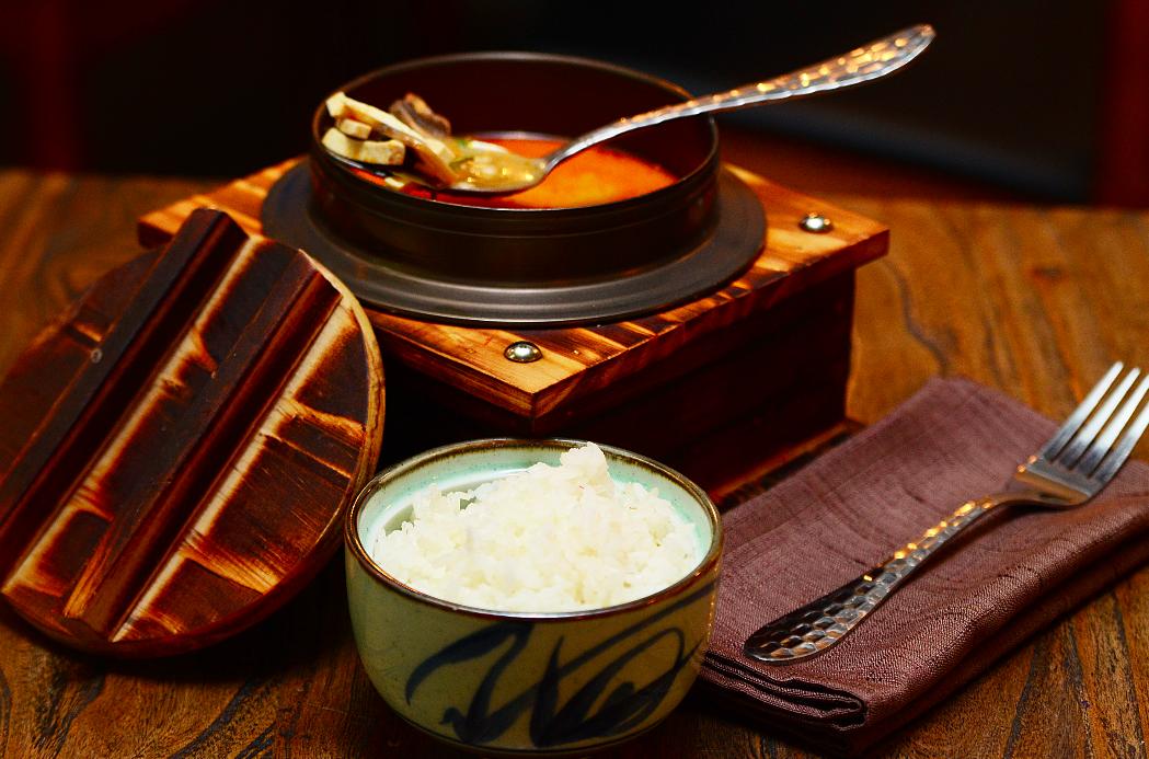 Ресторан Рецептор - фотография 5 - Том ям подается с пиалой риса