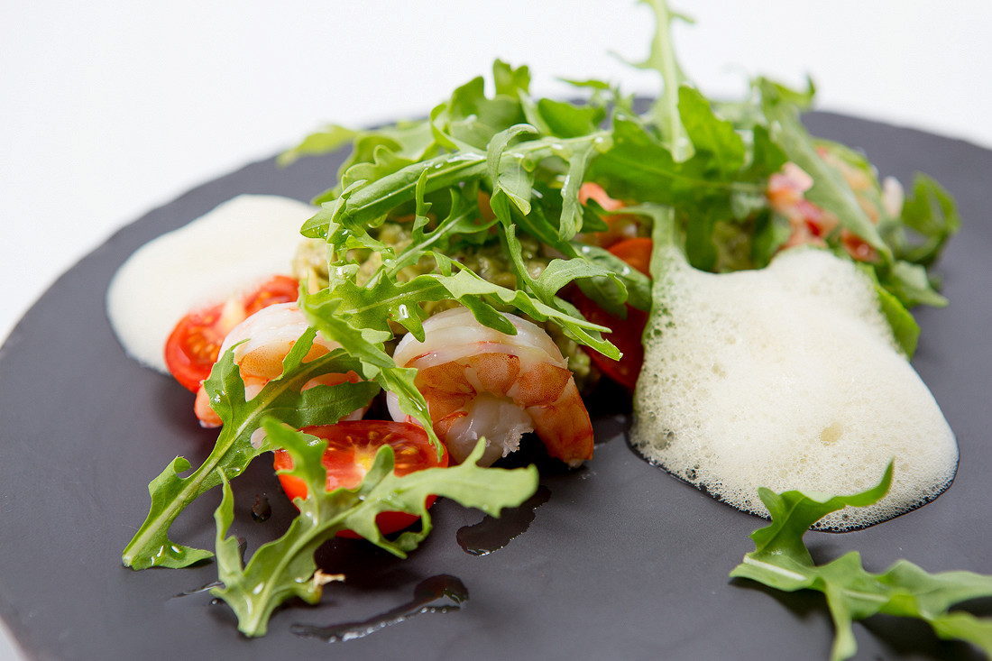 Ресторан Simple Pleasures - фотография 5 - Руккола с креветками