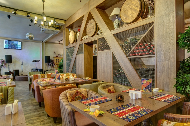 Ресторан Дюшес - фотография 1 - Основной зал