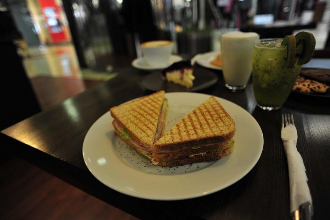 Ресторан Coffee Annan - фотография 3