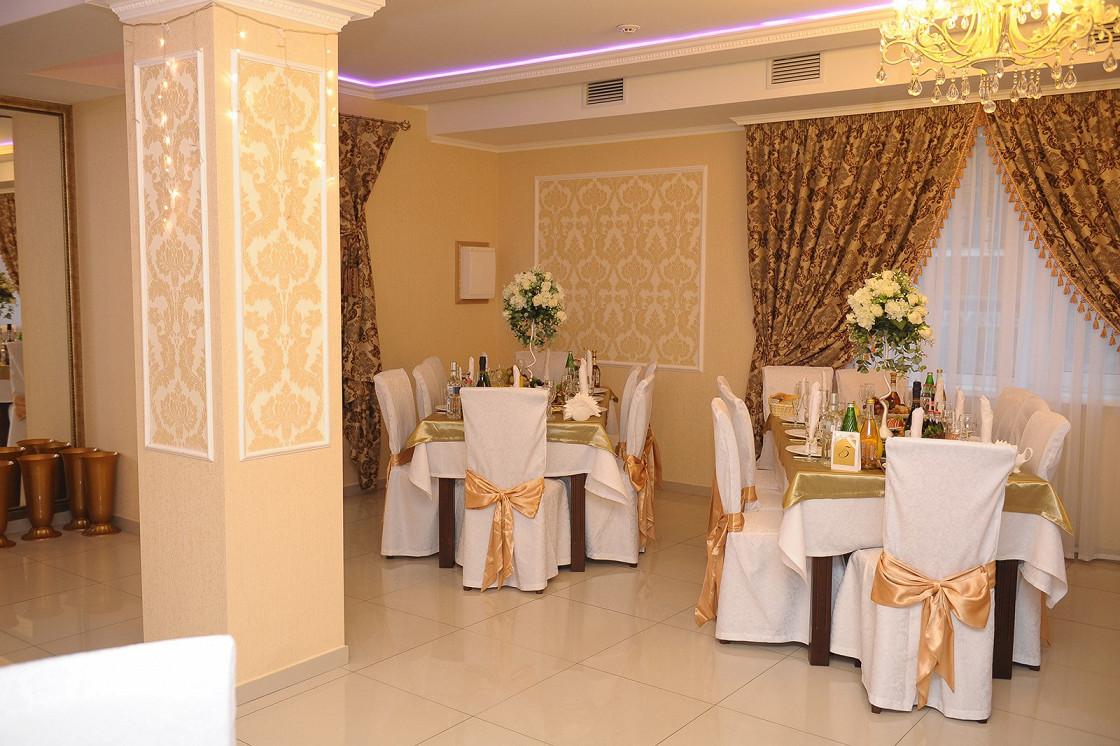 Ресторан 12 стульев - фотография 10