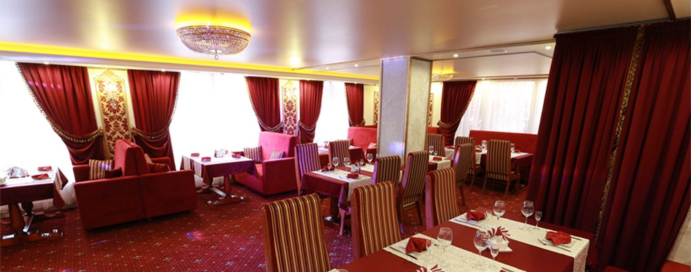 Ресторан Status - фотография 1