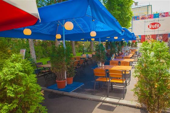 Ресторан Frendy's - фотография 18 - Летняя веранда