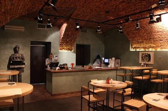 Ресторан Пельмения - фотография 15 - Зал побольше.