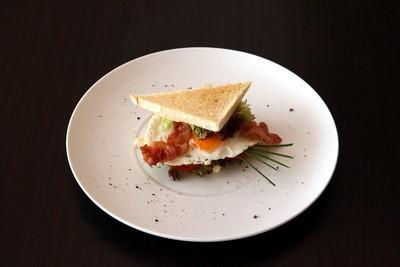 Ресторан Персона - фотография 16 - Сандвич