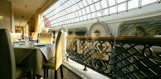 Ресторан У Кремля - фотография 4 - Солнце сквозь стекло..