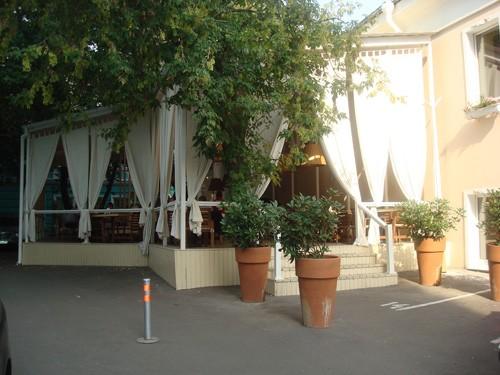 Ресторан Mi piace - фотография 2 - Летняя веранда