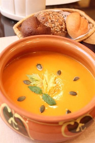 Ресторан Донна Клара - фотография 19 - Тыквенный суп