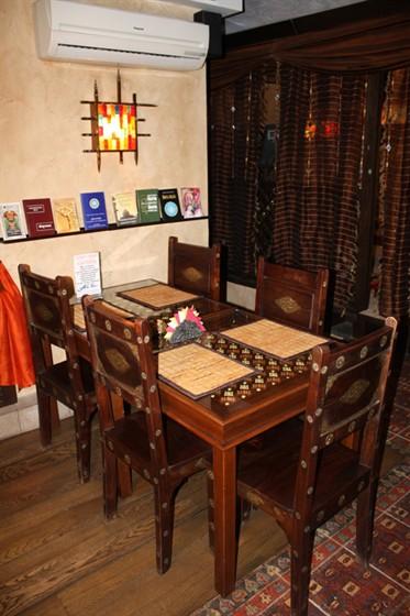 Ресторан Путь йоги - фотография 2 - Основной зал