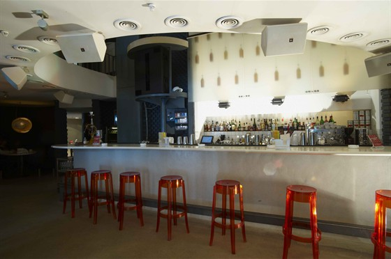 Ресторан Хмель и солод - фотография 8 - Спортивные трансляции на экране